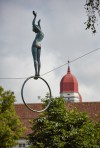 Balancing_Sculptures_Pablos_Girl_01.jpg